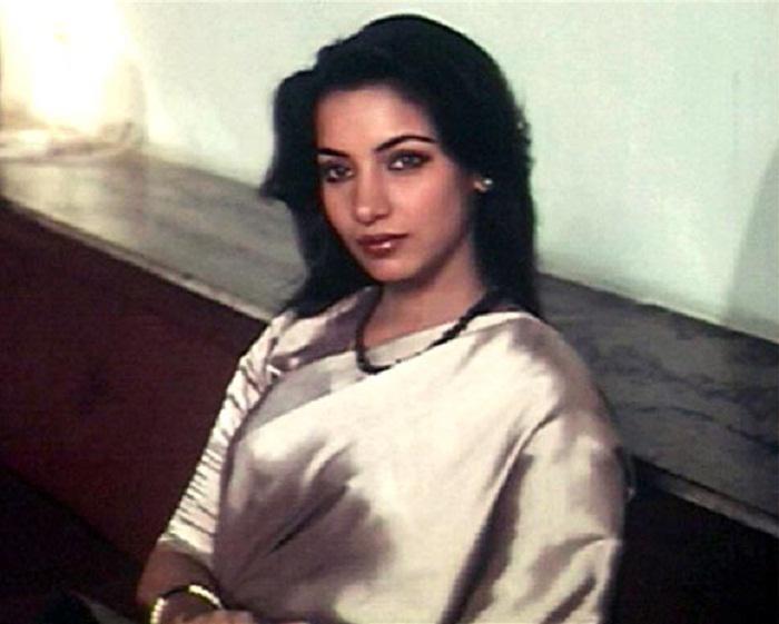 17. shabana azmi saree